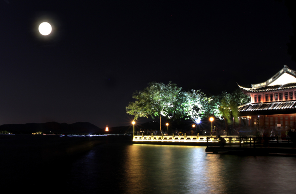 LED灯光--西湖之夜 manbetx网页手机登录版ManbetX手机版登录万博max客户端
