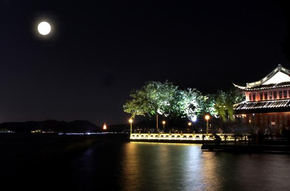 LED灯光--西湖之夜 山东照明学会